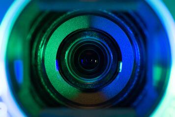 lens blue green