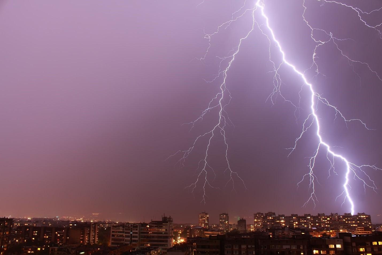 5-Lightning.jpg