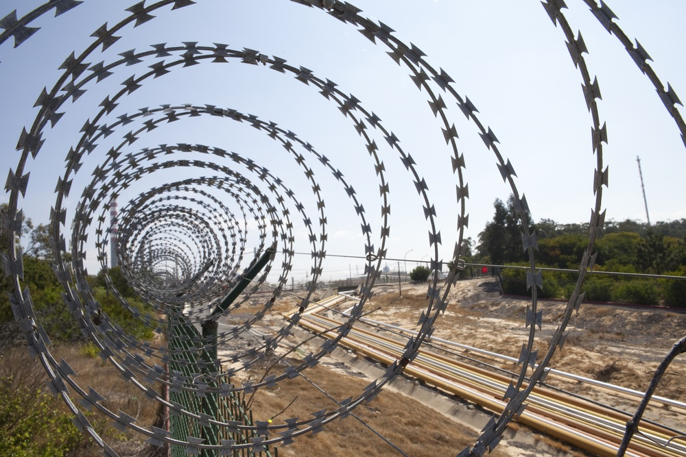 barbed_wire_and_train_track-1